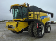 Oldtimer-Mähdrescher типа New Holland CR9060, Neumaschine в Київ